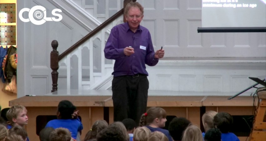 Hugh Hunt talking to kids about climate change
